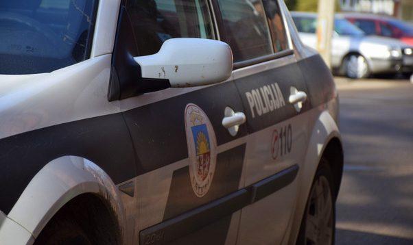 Ceļu satiksmes negadījuma dēļ bloķēta satiksme uz Rīgas apvedceļa pie pagrieziena uz Plakanciemu