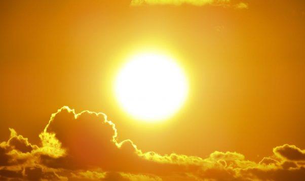 Logā arvien biežāk iespīd saule un kļūst pavasarīgāks. Kādas saulesbrilles izvēlēties šī gada pavasarī